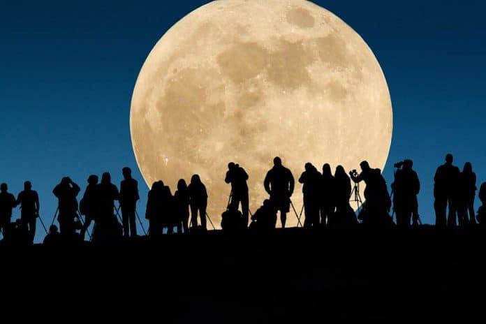 http://madeinmarseille.net/actualites-marseille/2016/11/super-lune-moon-14-novembre-696x464.jpg
