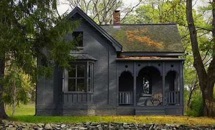 Paint It Black: 5 Traditional Houses with a Dark Appeal
