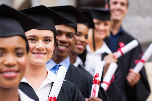 Use a Temp Agency to Bring Advantages to New College Graduates.