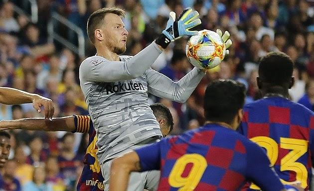 Barcelona goalkeeper Neto makes transfer request as he targets Arsenal move