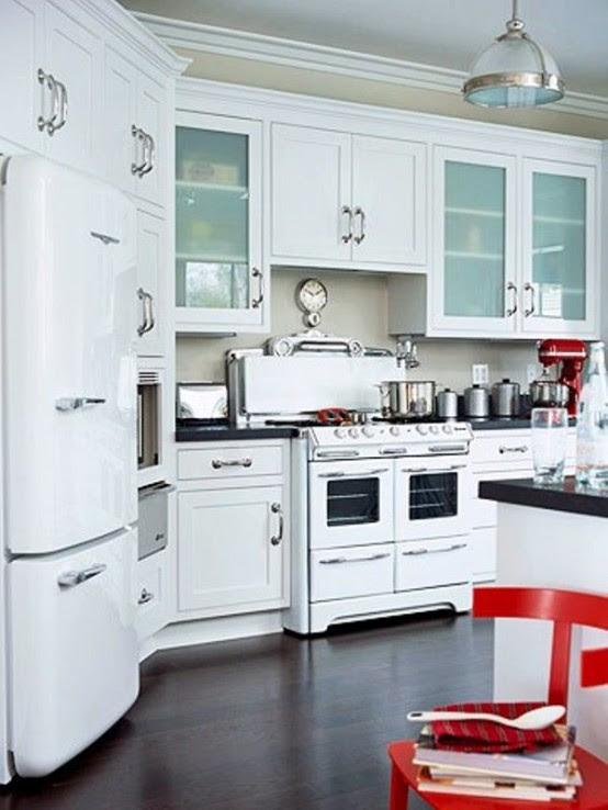39 Inspiring White Kitchen Design Ideas - DigsDigs