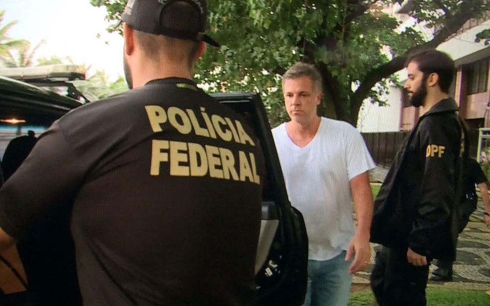 Marco Antônio de Luca foi preso por agentes da PF em Ipanema (Foto: Fernanda Rouvenat / G1)