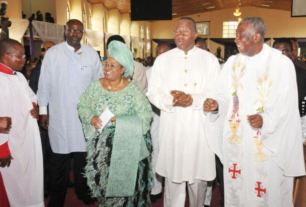 PIC 11. FROM LEFT: FIRST LADY DAME PATIENCE JONATHAN; PRESIDENT GOODLUCK JONATHAN  AND THE CHAPLAIN OF ASO VILLA CHAPEL, VEN. OBIOMA ONWUZURUMBA, DURING A THANKSGIVING AND FAREWELL SERVICE IN HONOUR OF THE PRESIDENT AND HIS WIFE AT THE  CATHEDRAL CHURCH OF THE ADVENT, LIFE CAMP, GWARIMPA IN ABUJA ON SUNDAY (10/5/15). 2492/10/5/2015/ICE/BJO/NAN