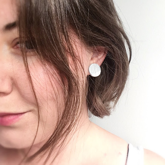 top 12 minimalist earrings + giveaway