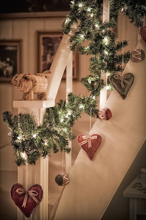 hanging holiday hearts