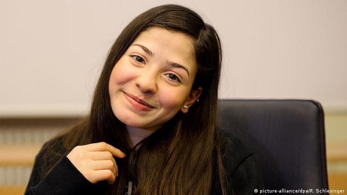 Deutschland Ysra Mardini Schwimmerin aus Syrien IOC-Flüchtlingsteam (picture-alliance/dpa/R. Schlesinger)