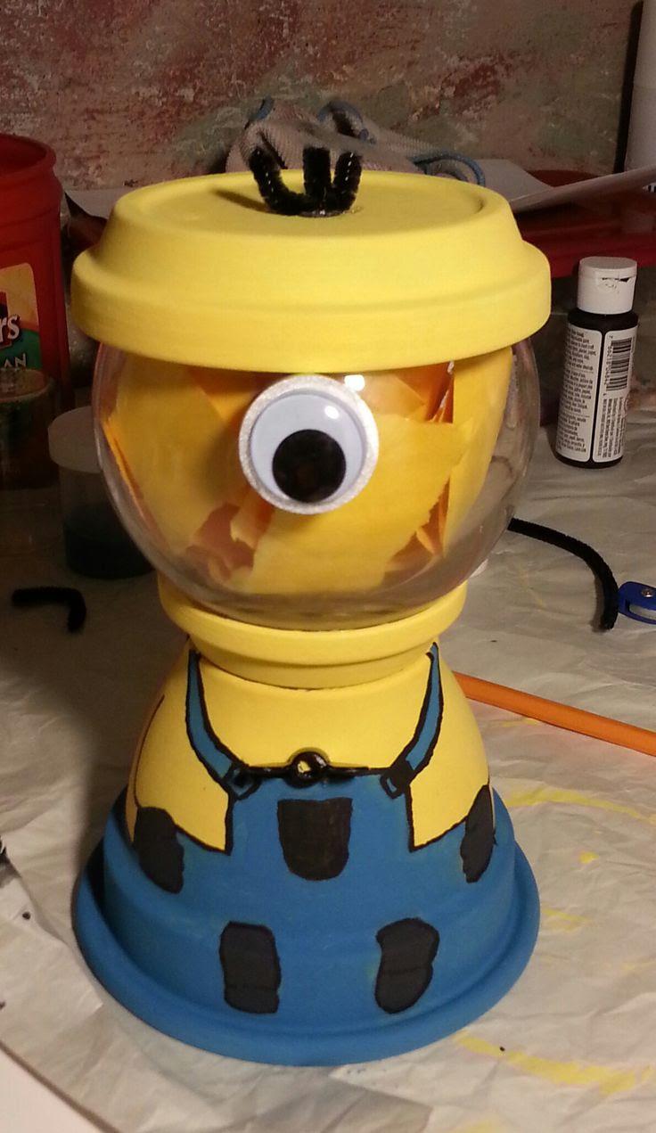 DIY Despicable Me Minion, gumball machine
