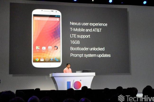 A défaut de Nexus 4 LTE, les amateurs - dont votre serviteur - pourront bénéficier d'un terminal Galaxy S4 sans les inutiles ajouts de Samsung. Crédit photo IDG