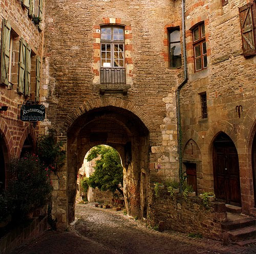 Portal, Cordes-sur-Ciel, France