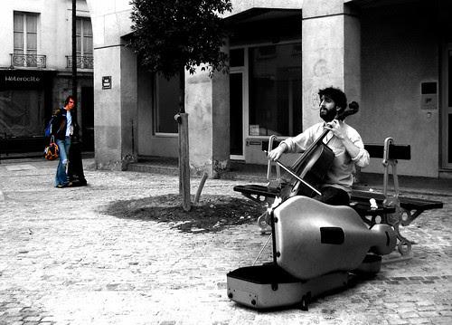 Cellist and listener in Paris