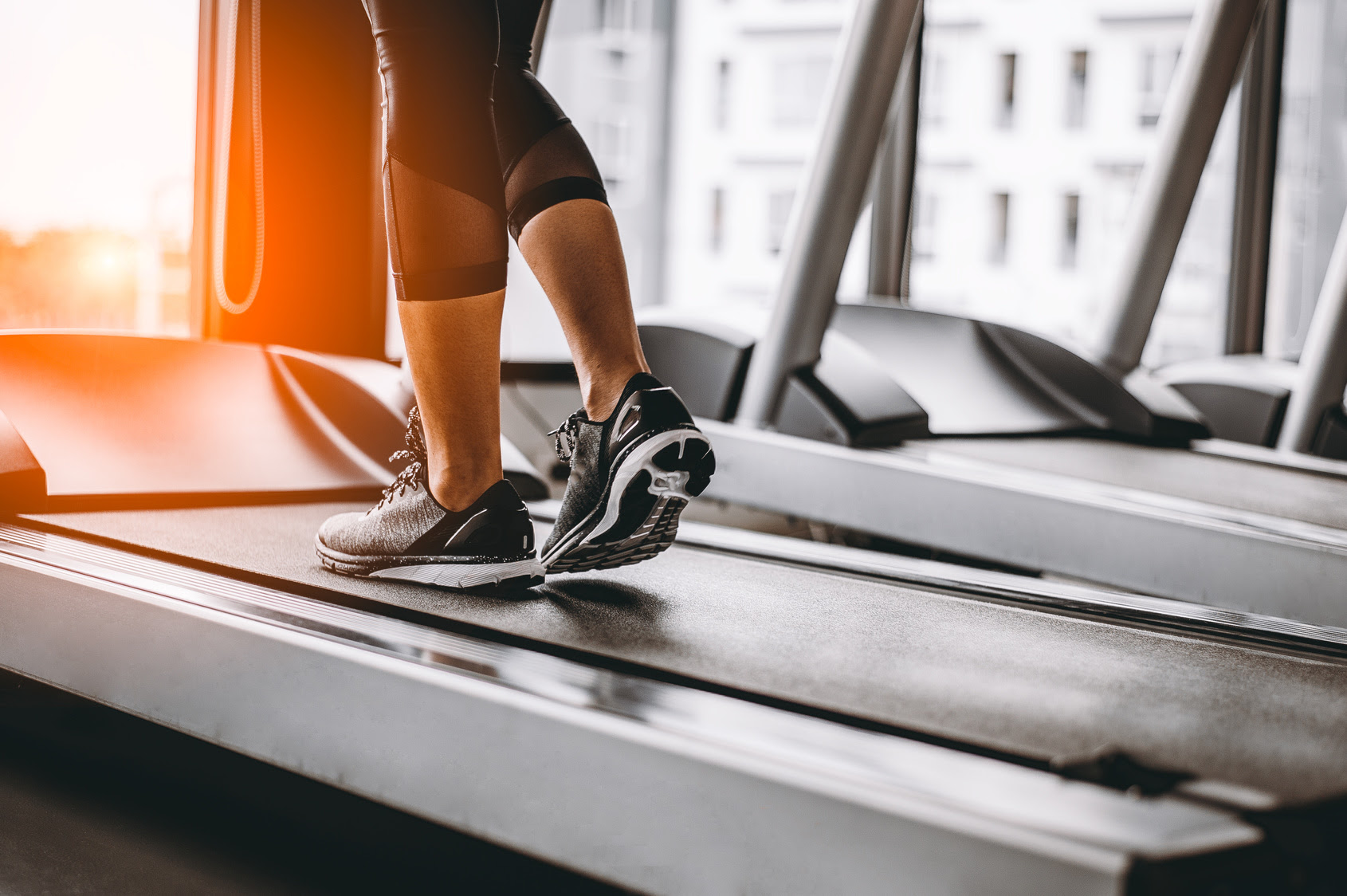The 30-Minute Interval Treadmill Workout to Burn Fat Fast ...