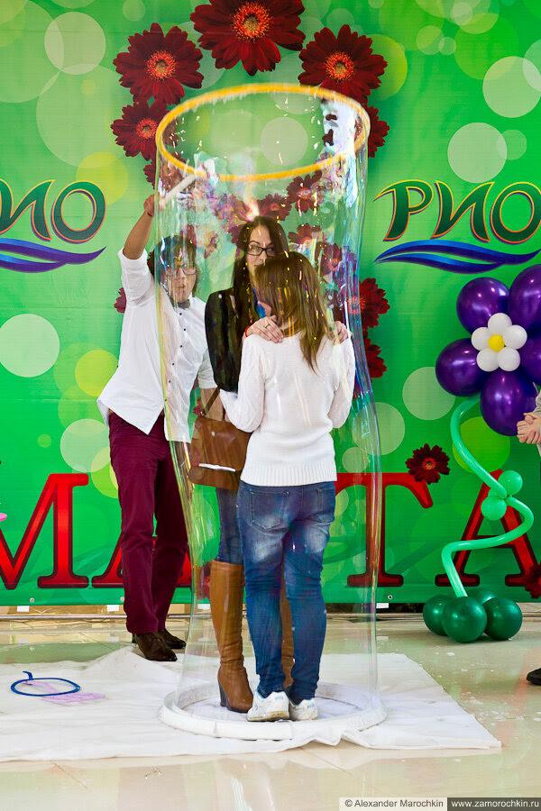 Гигантские мыльные пузыри в РИО. Саранск, 8 марта 2013 г