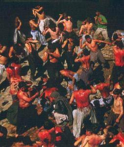 Mencederakan diri masing-masing kerana memperingati peristiwa Karbala