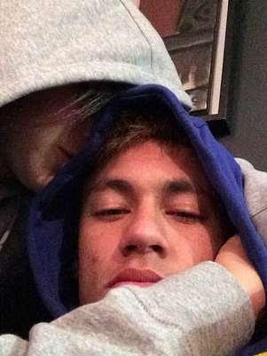 Neymar postou foto com a namorada na tarde de segunda-feira Foto: Instagram / Reprodução