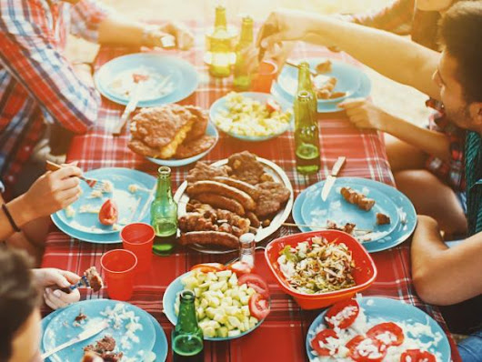 8 Mistakes You Make Hosting a Summer Party