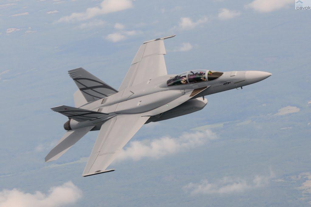 El Hornet de combate F/A-18E/F Super Advanced durante su primer vuelo realizado en St. Louis, el 7 de agosto de 2013. (Foto: Boeing)