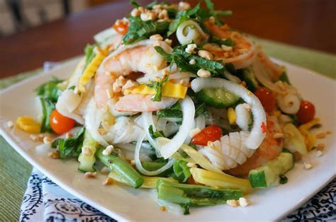Gourmet by Kat: Thai seafood salad (Goi Thai tom muc)