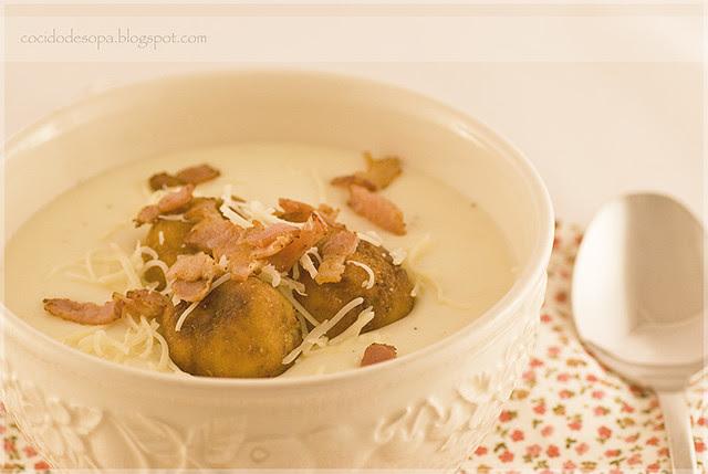 Crema de patata con albondiguillas pan_1