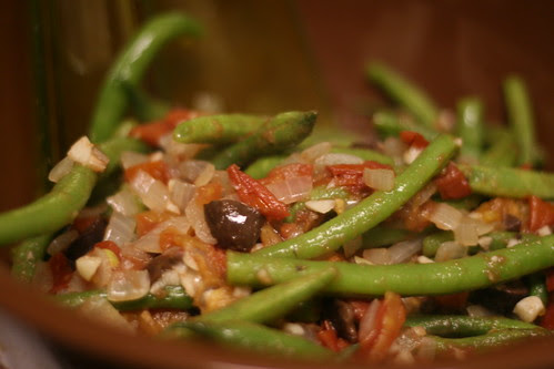 Warm Green Beans with tomatoes and olives