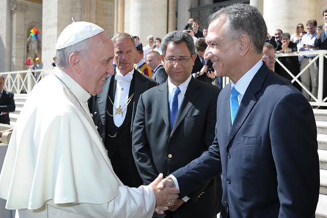 """Grimaldi denuncia ante el Papa que embajador EEUU y  gays quieren """"destronar"""" al Cardenal"""