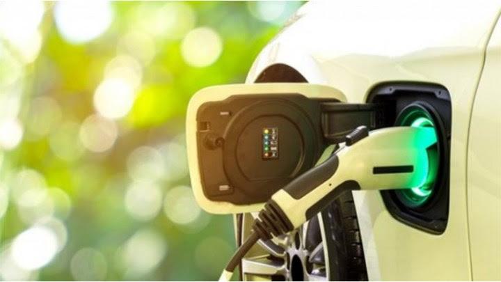Ηλεκτρικά αυτοκίνητα: Θα είναι φθηνότερα από τα συμβατικά έως το 2027 - Τι δείχνει έρευνα του Bloomberg