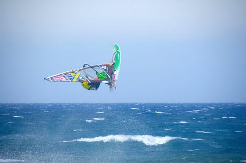 Windsurfista por los aires
