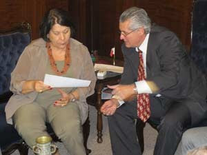 Eliana e Sartori durante reunião na sede do TJ (Foto: Márcio Pinho/G1)