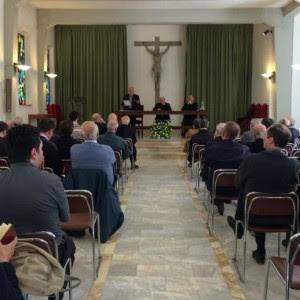 Enzo bianchi predica ai sacerdoti di siena