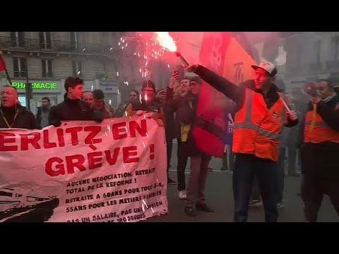 Franceses voltam às ruas contra a reforma das pensões