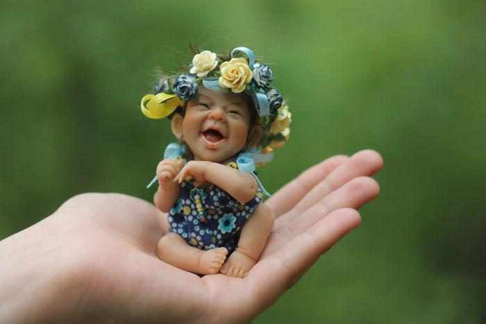 Le soleil Little Mom: Dolls Parfait vie comme par Elena Kirilenko