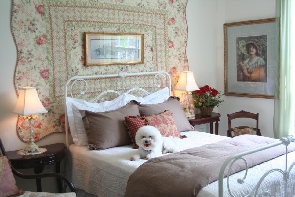 rms dubh_sidhe white bedroom