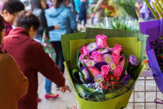 Buying Flowers in Singapore and Hong Kong | Singapore Relocation Guide