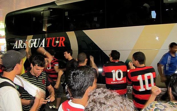 ônibus flamengo goiás (Foto: Richard Souza / Globoesporte.com)