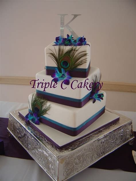 MY WEDDING CAKE!!! 3 tiered offset square cake with