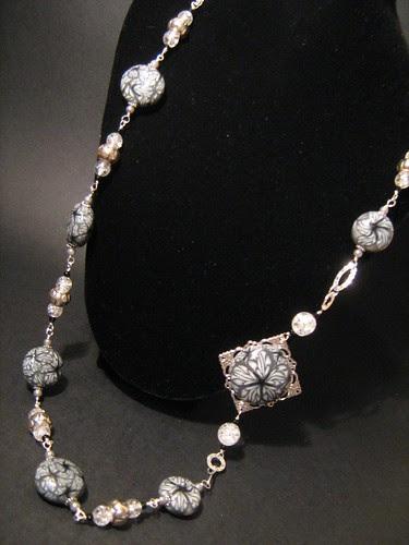 Collana con perle e centrale create in Fimo Millefiori Cane. by Cristina Crijoux
