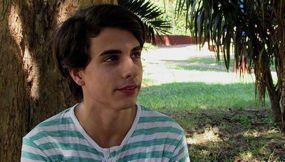 """Adriano López, ahora el """"Comepizza"""", tiene más de mil seguidores en su canal de YouTube. Foto: Cinthya García Casañas/ Cubadebate."""