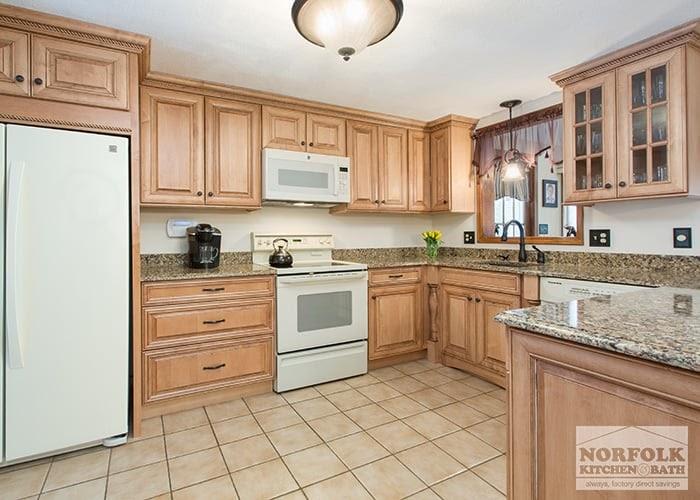 Beautiful Kitchen Design Ideas With White Appliances Photos
