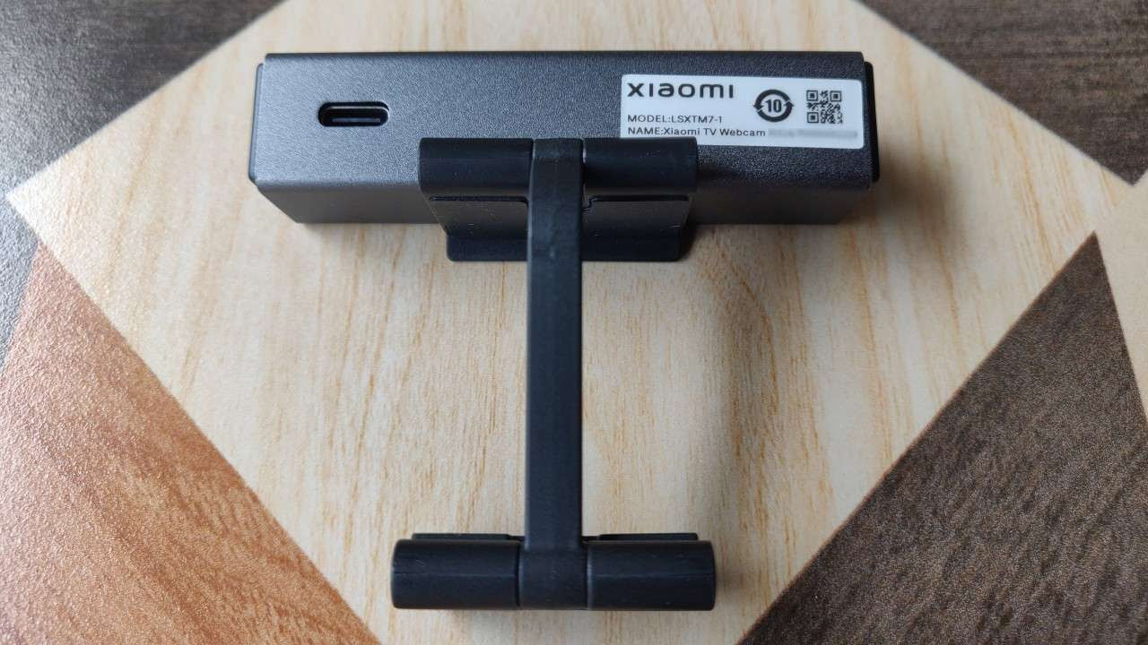 The Xiaomi Mi TV webcam can be plugged into the USB port of a TV with the bundled 1.5-metre-long USB-A to USB-C cable. Image: Tech2/Ameya Dalvi