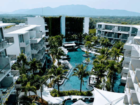 5 Star Hotel Phuket - Dream Hotel & Spa Review - Couple Travel The World