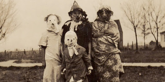 20 skin crawling images of old-timey Halloween costumes to terrify you | WomensPost.ca