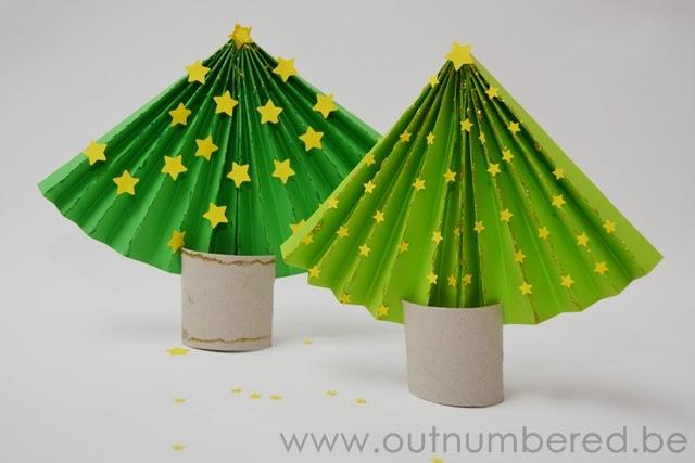 Árbol de navidad de papel - Simples Artesanía de Navidad