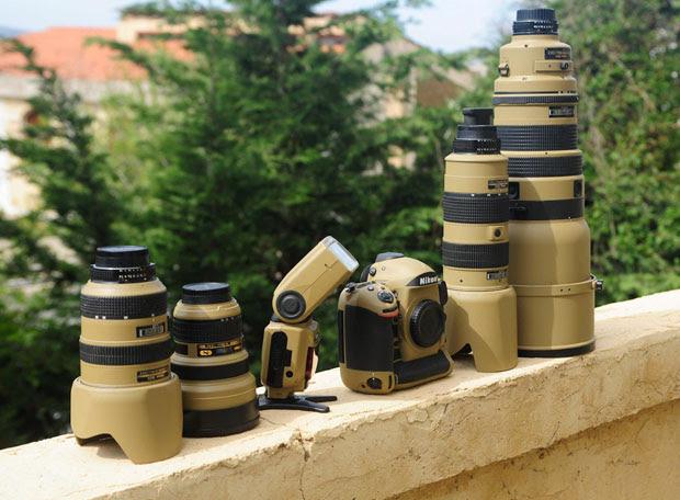 Photographer Gives His Nikon Gear a DIY Desert Mirage Lizard Paint Job B6DuBvM