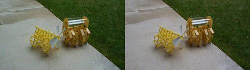 テオ・ヤンセンのミニビーストとミニ・リノセロス(2)[3D:平行法]
