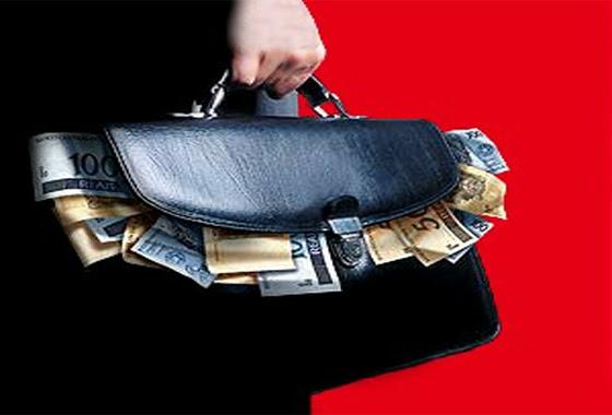 Resultado de imagem para mala de dinheiro