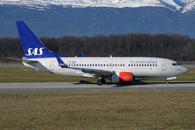 Scandinavian Airlines-SAS Boeing 737-783 WL LN-RNU (msn 34548) GVA (Paul Denton). Image: 911285.