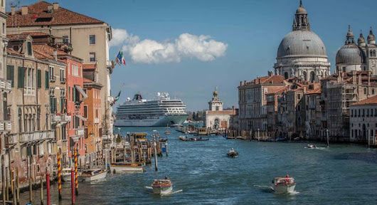 Simplify Your Trip: Ship Cruise Luggage to Venice | Getting On Travel