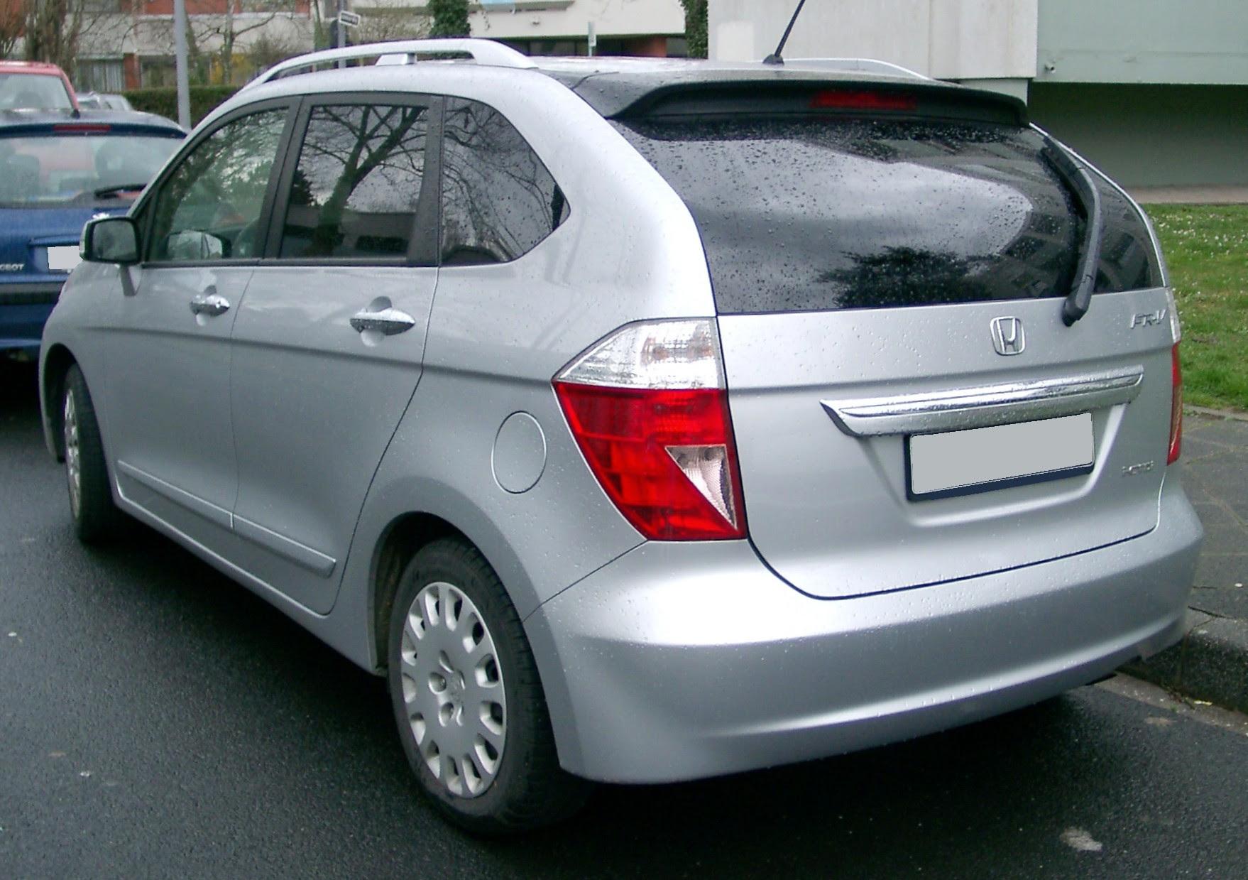 Honda FR V rear