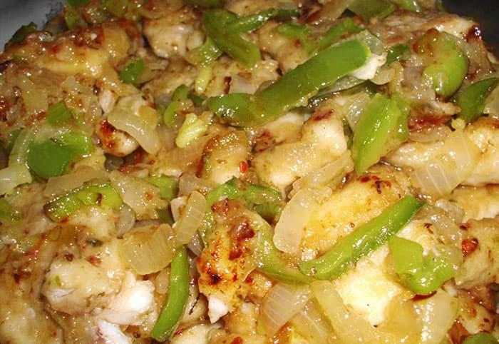Cazón al horno con verduras
