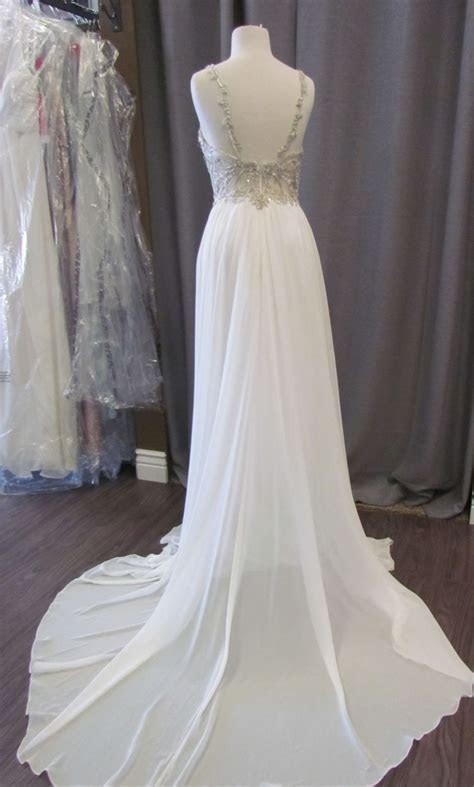 Maggie Sottero Jeanette, $400 Size: 8   Sample Wedding Dresses