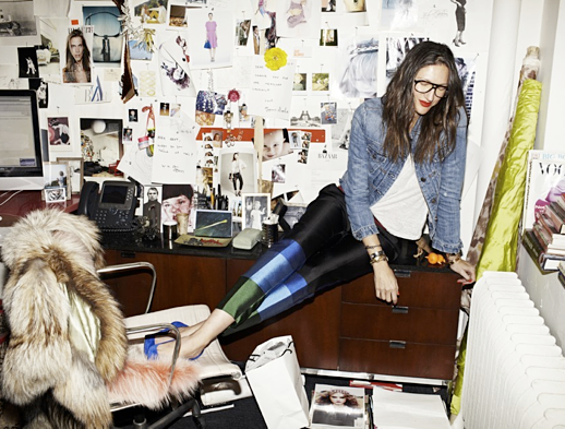 LE FASHION JENNA LYONS OFFICE JCREW INTERIOR DESIGN OFFICE INSPIRATION MAGAZINE CUT OUT COLLAGE WALL DECOR MID CENTURY MODERN WALNUT WOOD SIDE PIECE FILING CABINET WHITE LEATHER DESK CHAIR FUR COAT DENIM BUTTON UP SHIRT CELINE COLOR BLOCK PANTS BRIGHT BLUE SUEDE HEELS PUMPS BLACK AVIATOR FRAME EYEGLASSES GLASSES RED LIPSTICK 2 photo LEFASHIONJENNALYONSOFFICE2.png
